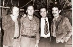 1976, la Casa scriitorilor din București, Lotreanu încadrat de Cocora, D. Rădulescu și Jebeleanu-Jr, fotografiați de Vasile Blendea