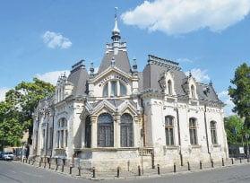 """Casa """"Luca Elefterescu"""", azi Muzeul Ceasului """"Nicolae Simache"""""""