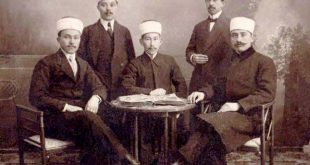 Grup de absolvenţi ai Seminarului Musulman de la Medgidia la sfârşitul secolului al XIX-lea