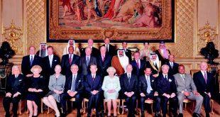 Anul 2012, castelul Windsor, Regele Mihai I alături de Regina Elisabeta a II-a a Marii Britanii şi de monarhi din 26 de ţări, sărbătoresc împlinirea a 60 de ani de la urcarea pe tron a reginei britanice.