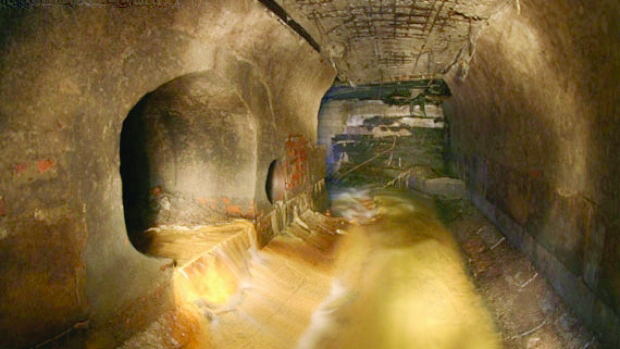 Cavernele din Marele Canion
