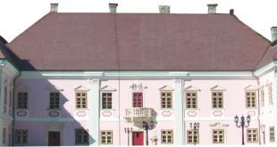 Palatul Magna Curia este sediul central al Muzeului Civilizației Dacice și Romane Deva
